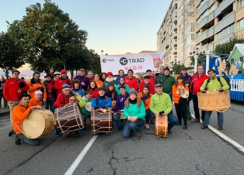 A Banda de gaitas da ETRAD no desfile da queima do meco do entroido de Vigo. Mércores 26 de febreiro. 18h.